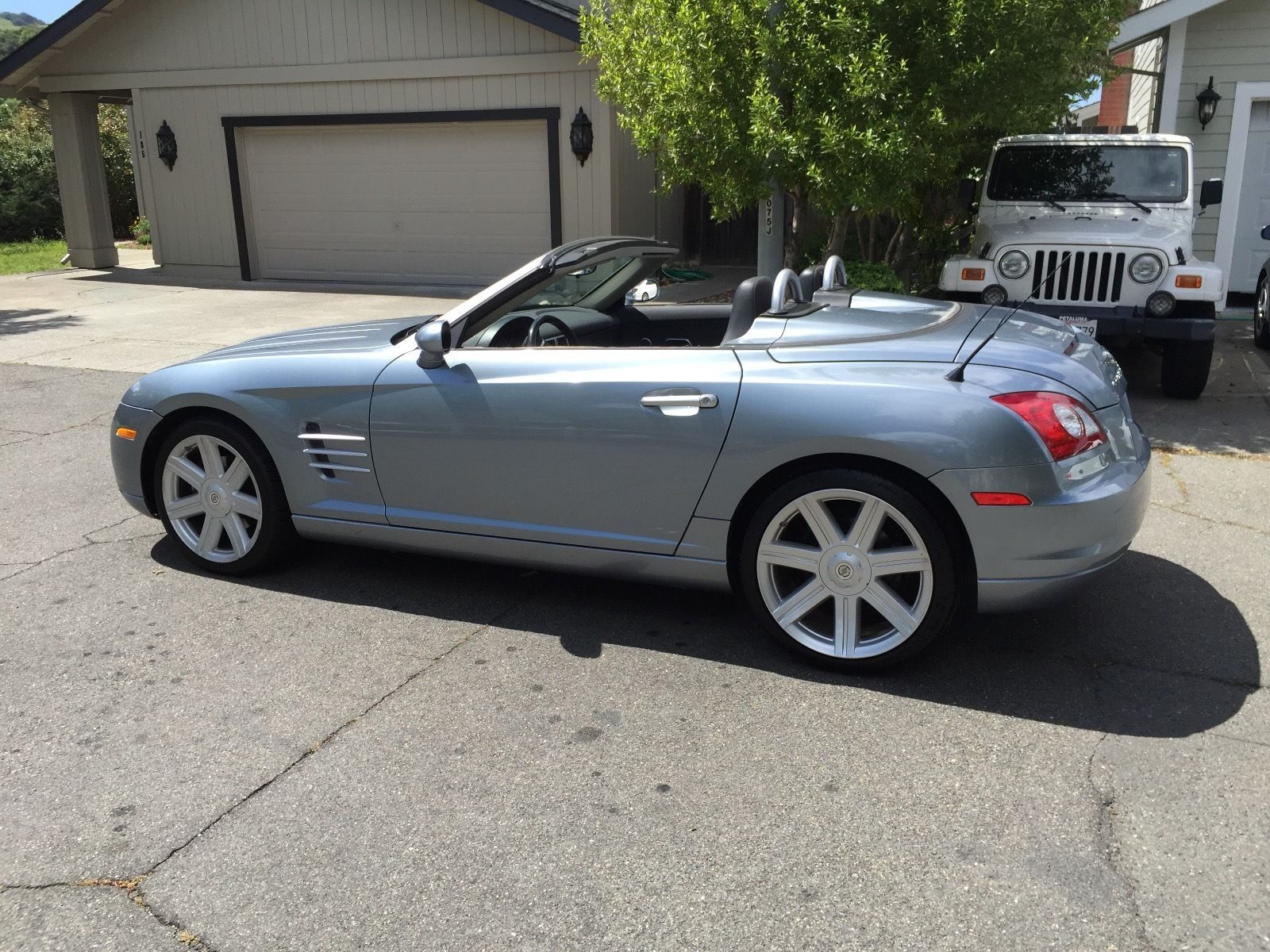 Car Brand Auctioned Chrysler Crossfire Roadster Convertible Coupe