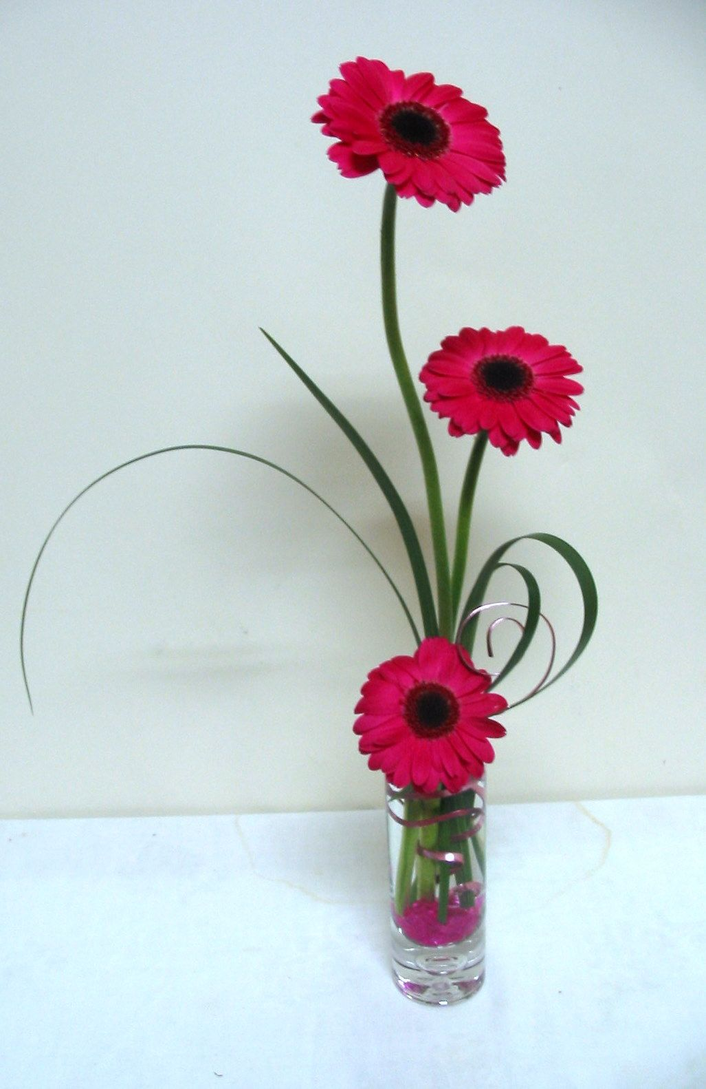 Hot pink gerbera in vase flower arrangements pinterest pink hot pink gerbera in vase flower arrangementstable reviewsmspy