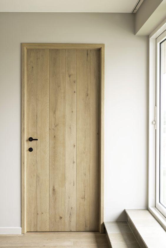 Oak planchette door without frame