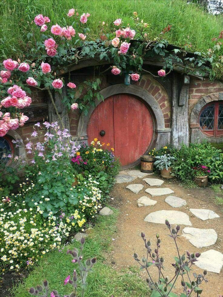 22 Awesome Ideas- How to make your own Fairy Garden ...