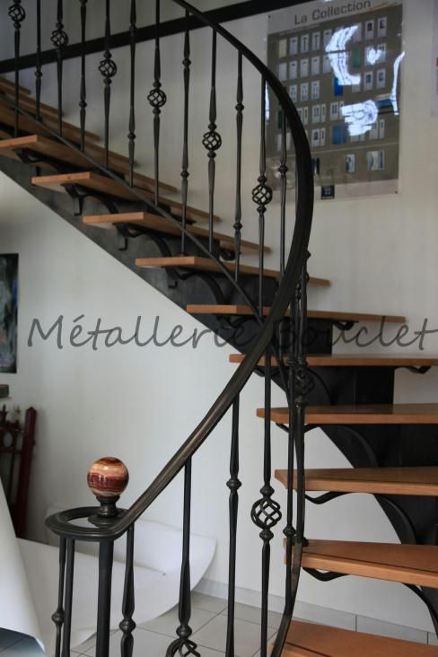 escalier int rieur balanc fabriqu dans nos ateliers. Black Bedroom Furniture Sets. Home Design Ideas