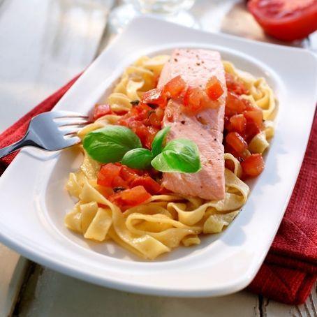 Lachs-Tomaten Pasta