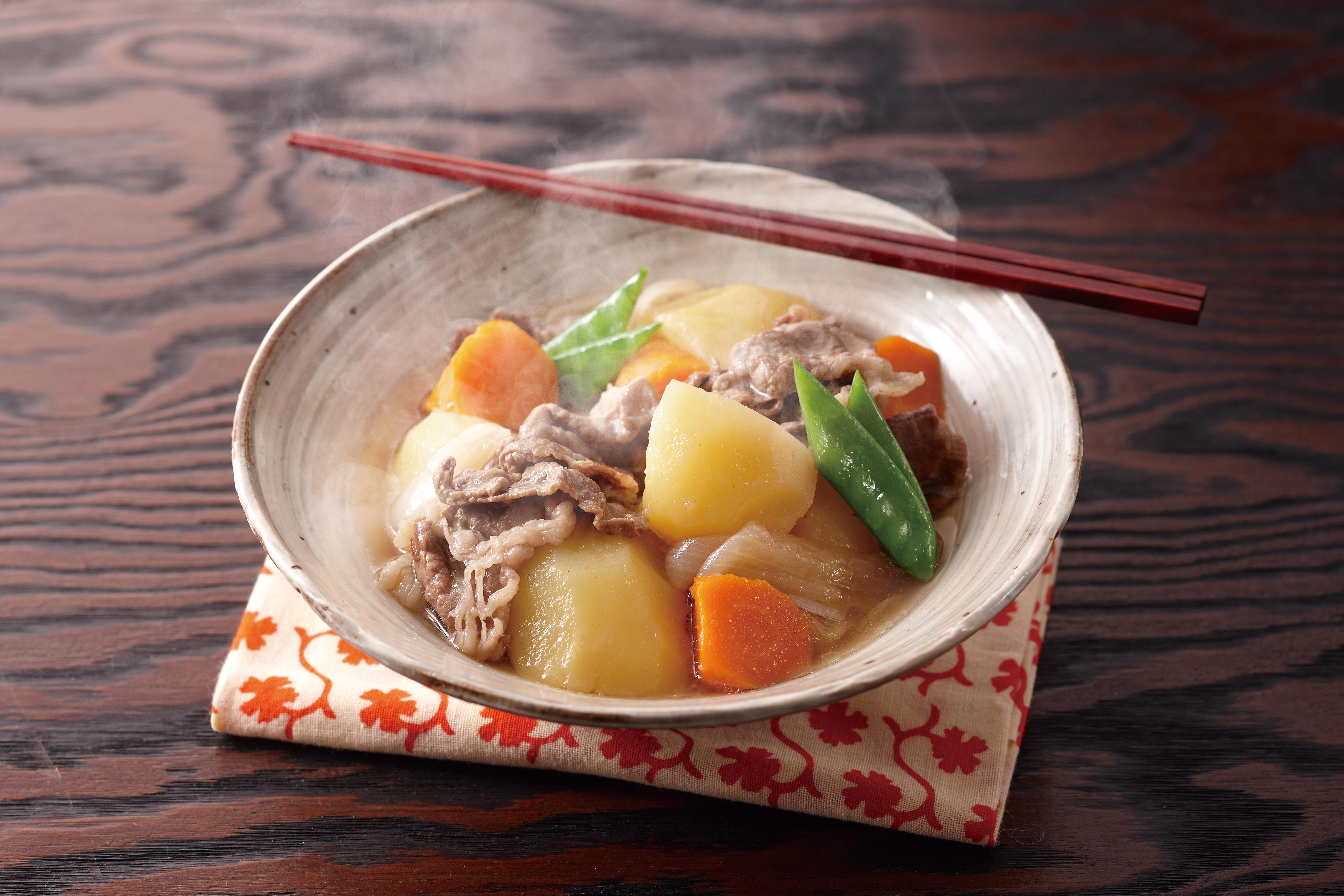Nikujaga Japanese Beef And Potatoes 肉じゃが Tiger Corporation U S A Rice Cookers Small Kitchen Electronics Recipe In 2020 Recipes Easy Japanese Recipes Beef And Potatoes