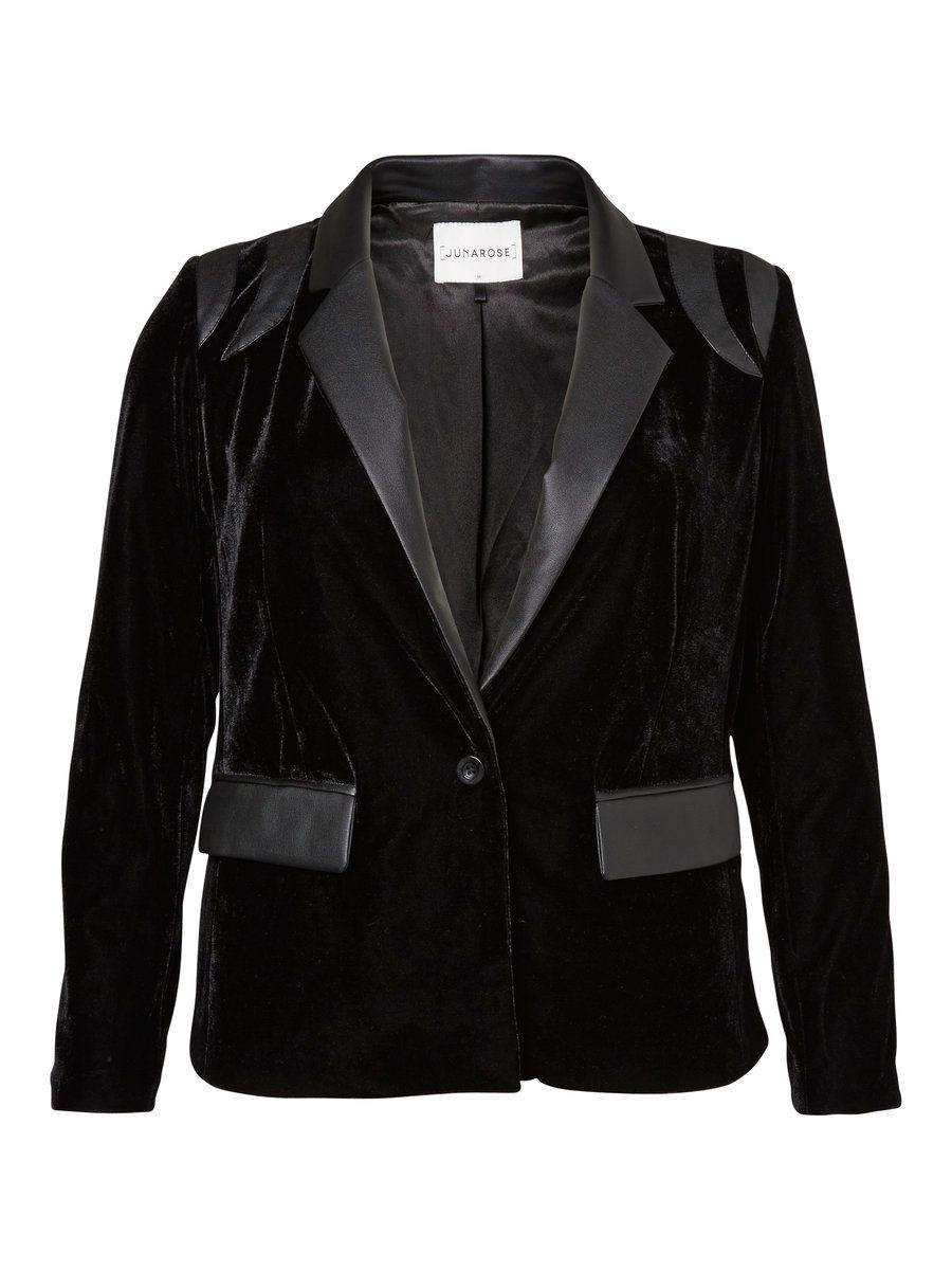 Black plus size blazer from JUNAROSE #junarose #plussize #blazer #black
