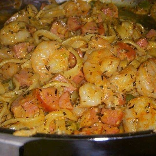 Cajun Shrimp & Sausage Pasta ️{S} 1/2-3/4 lb cooked fettuccine 2 T coconut oil 1 lb lg shrimp 2 T Essence seasoning (recipe below) 1-1/2 hot linked or smoked turkey sausages, sliced & quartered 1/2 c diced green pepper 1/2 c diced yellow onion 1 T minced garlic 1/2 c chicken stock 1 t thyme 1 t basil 1/2 c heavy cream 1/2 cup grated Parmesan  Essence Creole Seasoning 2-1/2 T paprika 2 T salt 2 T garlic powder 1 T black pepper 1 T onion powder 1 T cayenne pepper 1 T dried oregano 1 T dried…