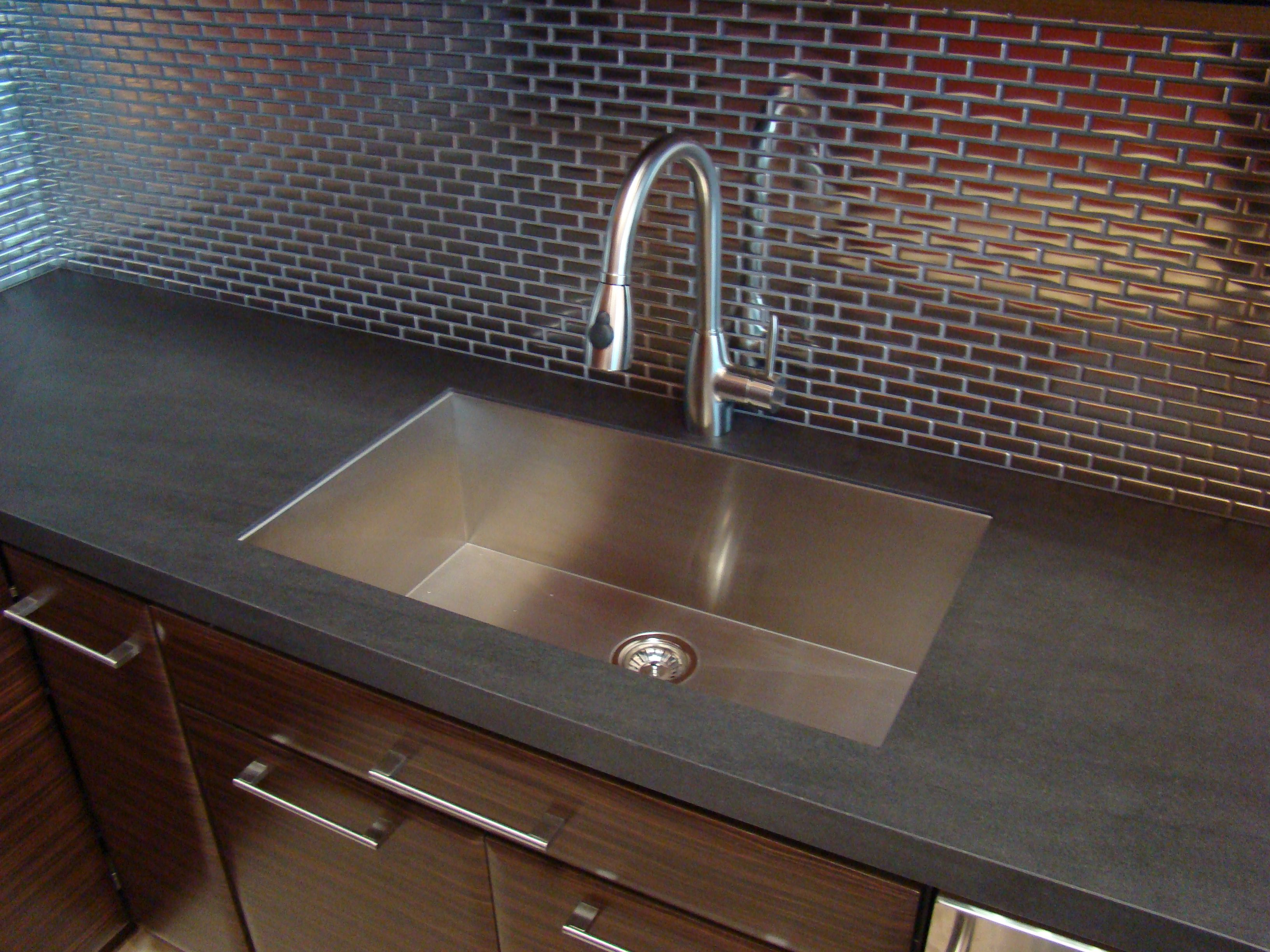Neolith Basalt Black Kitchen Countertop Arbeitsplatte