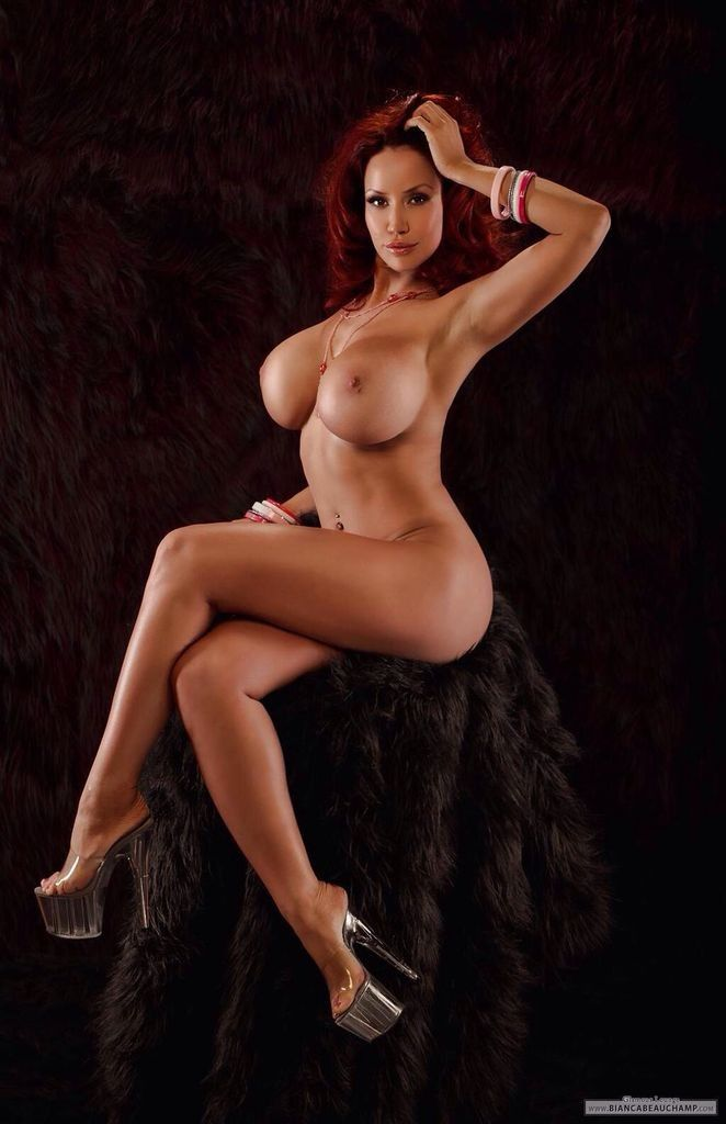 Sexy redhead with perfect body naked