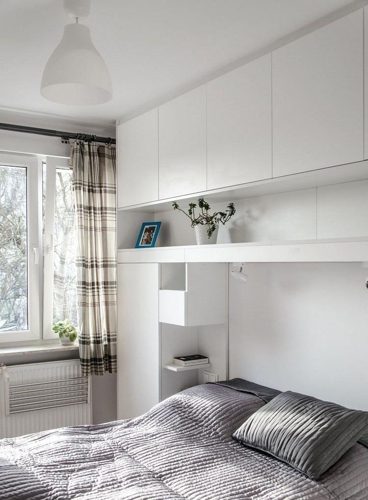 grifflose matt weiß lackierte hängeschränke über bett, Wohnzimmer