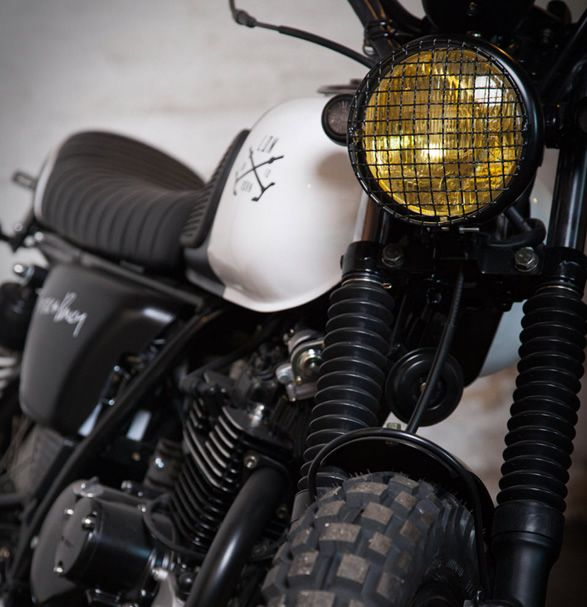 """The awesome LDN Born Mutt Motorcycle, is a cool collaboration of London-based industrial design brand Buster + Punch with Mutt Motorcycles. Designed for The Everyman"""", the four-stroke 125cc Mutt Motorcycle was inspired by London's fashion, music and"""