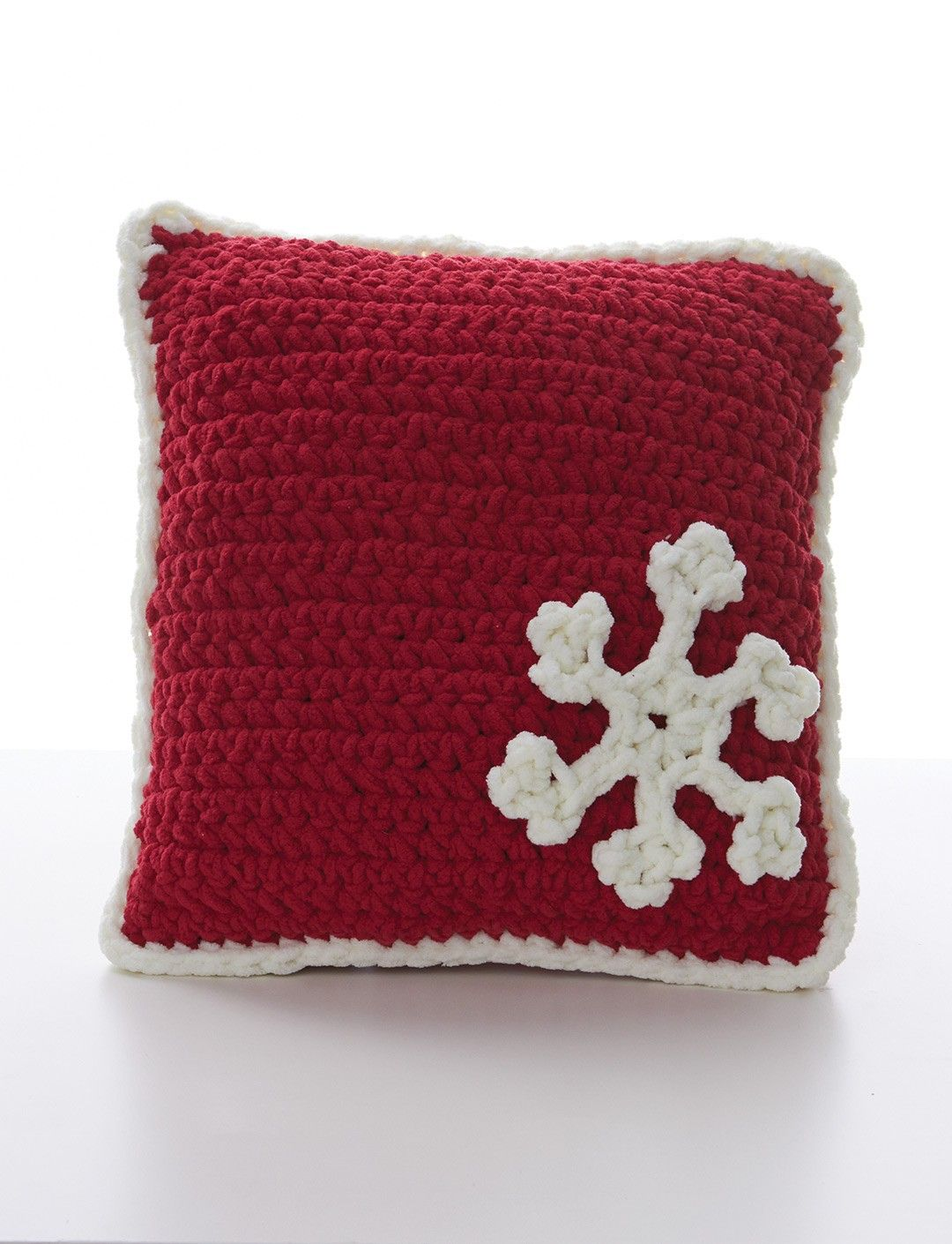 Yarnspirations.com+-+Bernat+Snowflake+Pillow+-+Patterns++|+ ...
