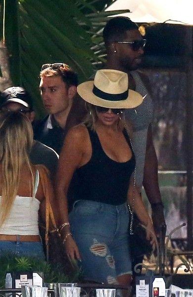 036b97e2532 Khloe Kardashian Photos Photos - Khloe Kardashian and new boyfriend Tristan  Thompson are spotted leaving their hotel in Miami