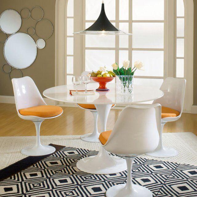 Eero Saarinen Style Tulip Table And Chairs. Fog Morup Pendant Lamp SEMI.