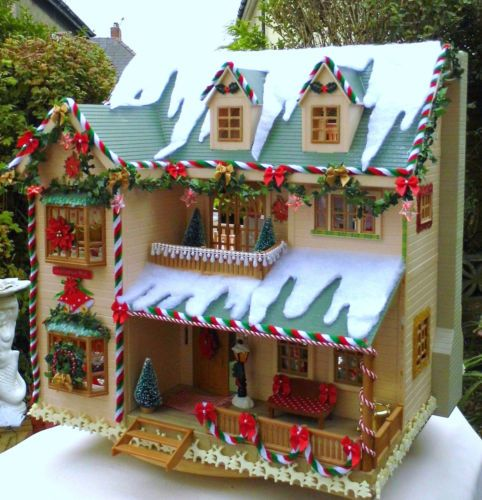 Sylvanian family christmas decorated house manor fully for Fully decorated homes