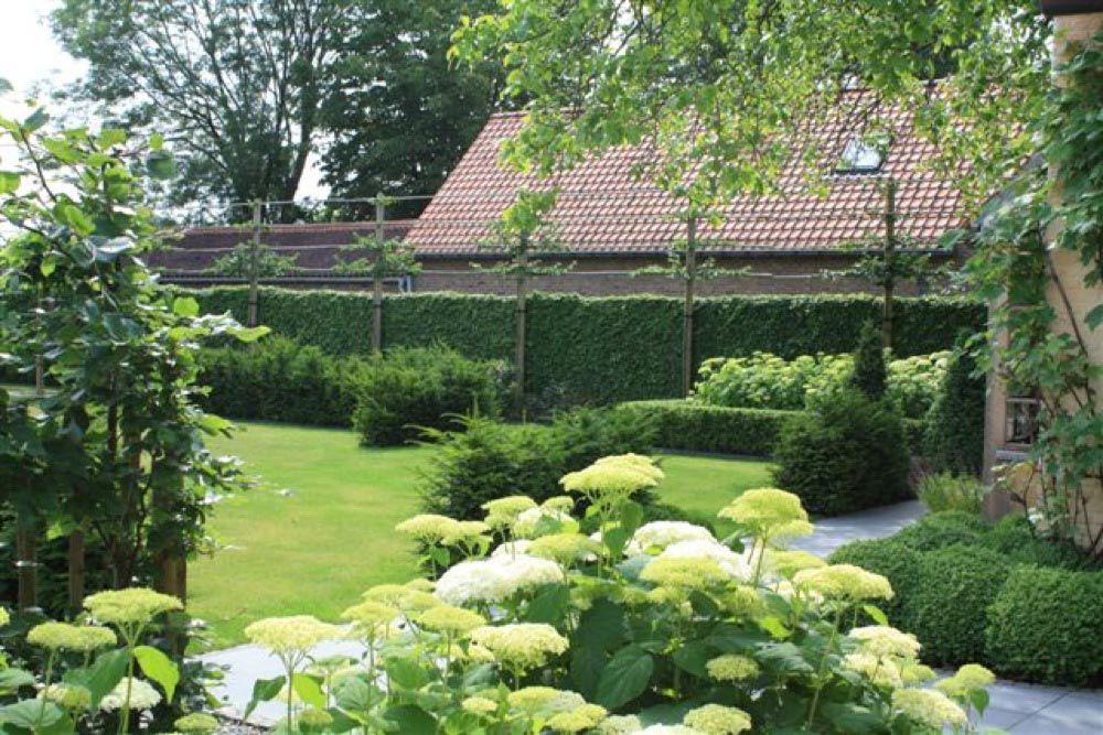 Realisaties tuin tuinarchitect rik hiergens for Tuinarchitect modern strak