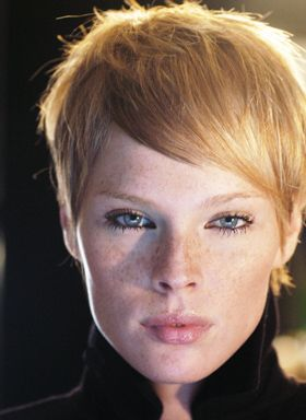The side swept fringe.  #pixie #hair  Plus, I can't get over this girl's amazing face.