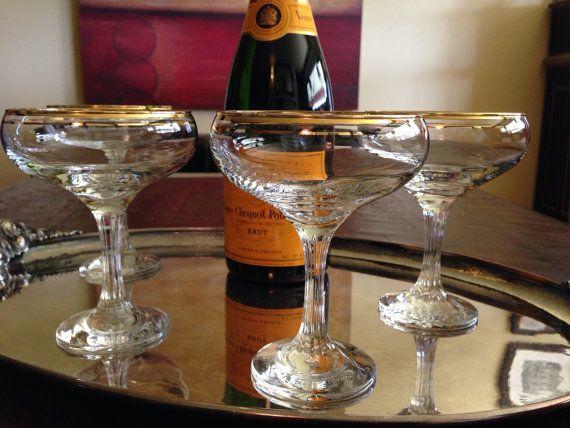 4 vintage gold rim champagne coupes set of 4 vintage by salonduthe vintage champagne. Black Bedroom Furniture Sets. Home Design Ideas