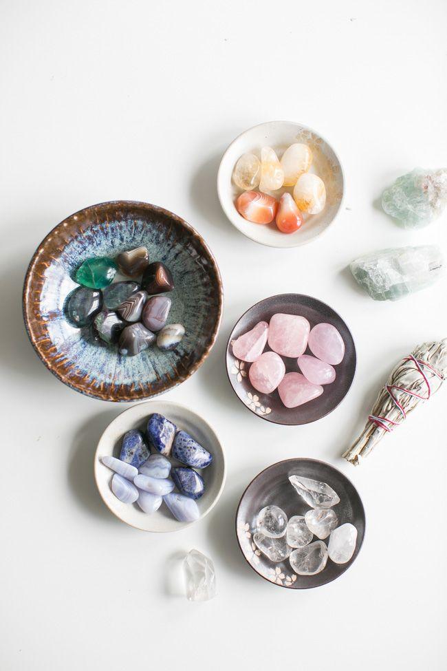 How To Make a Crystal Grid for Healing + Wellness @helloglowblog