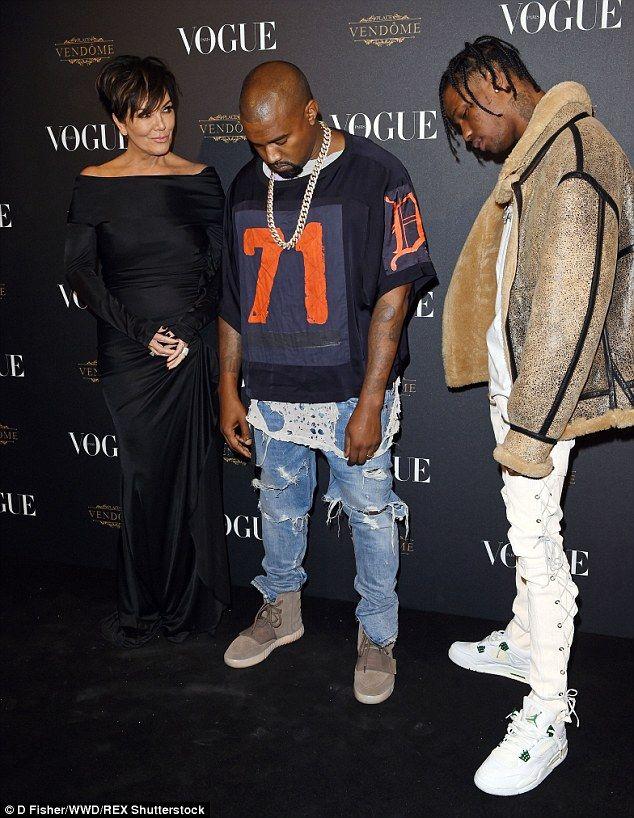 7d38a0bb Kendall Jenner is super elegant in curve-hugging black velvet gown ...
