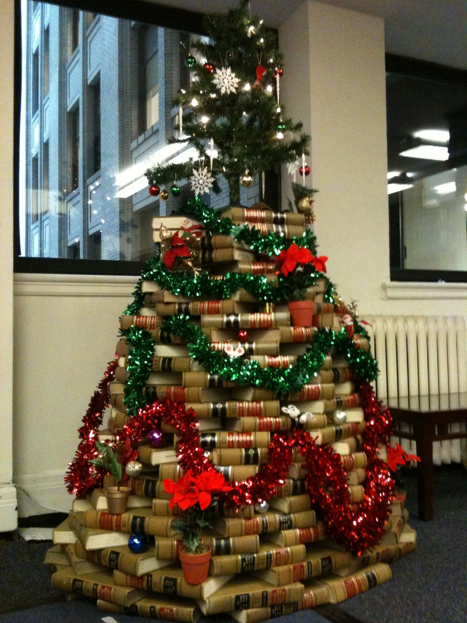 Ilibrarian News And Resources On Library 2 0 And The Information Revolution Teach For America Happy Holidays Christmas Tree
