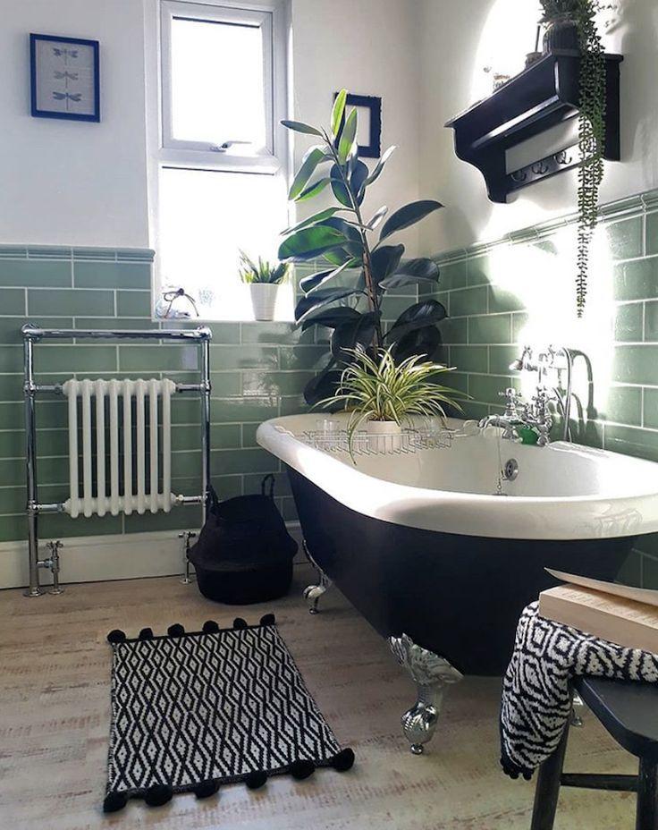 Vintage In 2020 Bathroom Design Luxury Bathroom Interior Design Green Bathroom