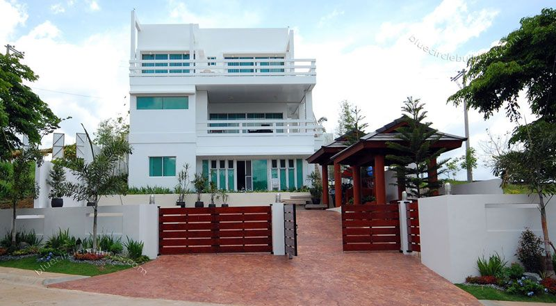 Modern Home Architecture In Tagaytay City Philippines