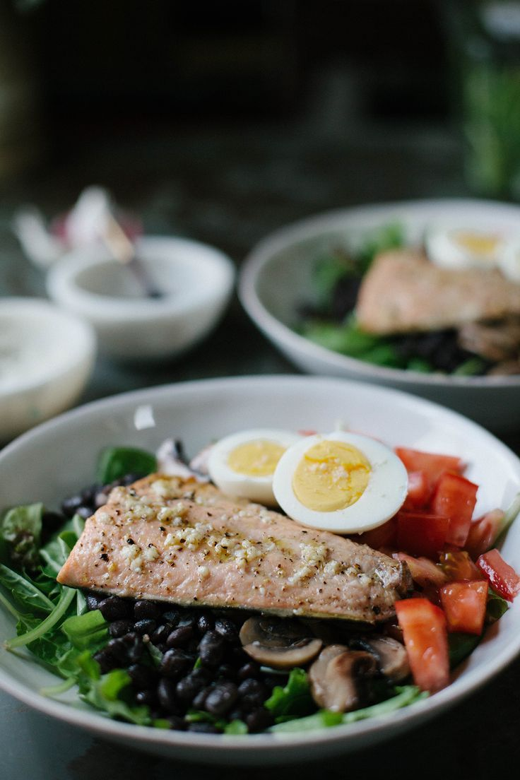 Protein Packed Salmon Salad with Black Beans, Egg, Mushrooms, and Tomatoes | A Daily Something