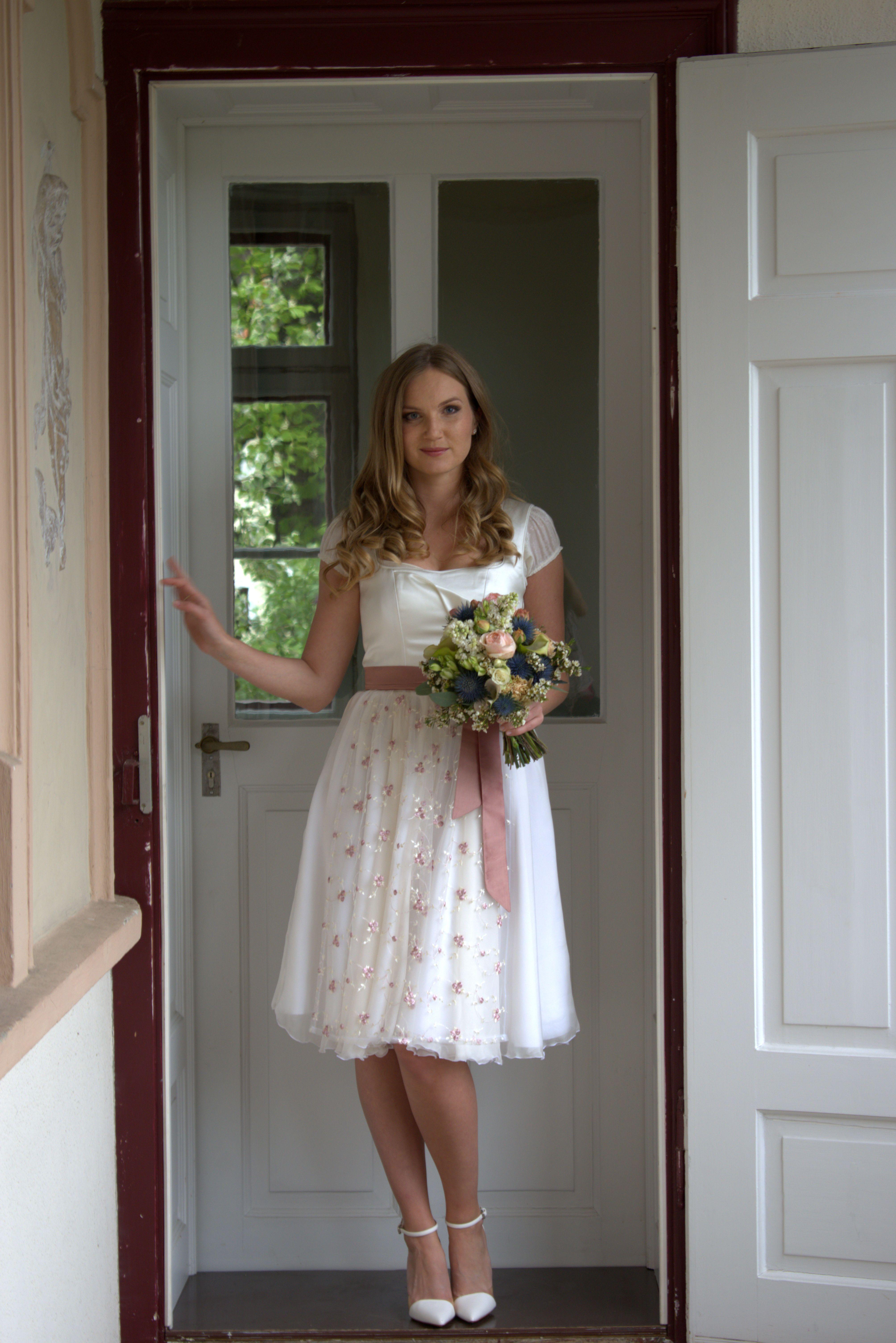 Standesamt Kleid kurz  Braut dirndl, Kleider, Festtagskleider