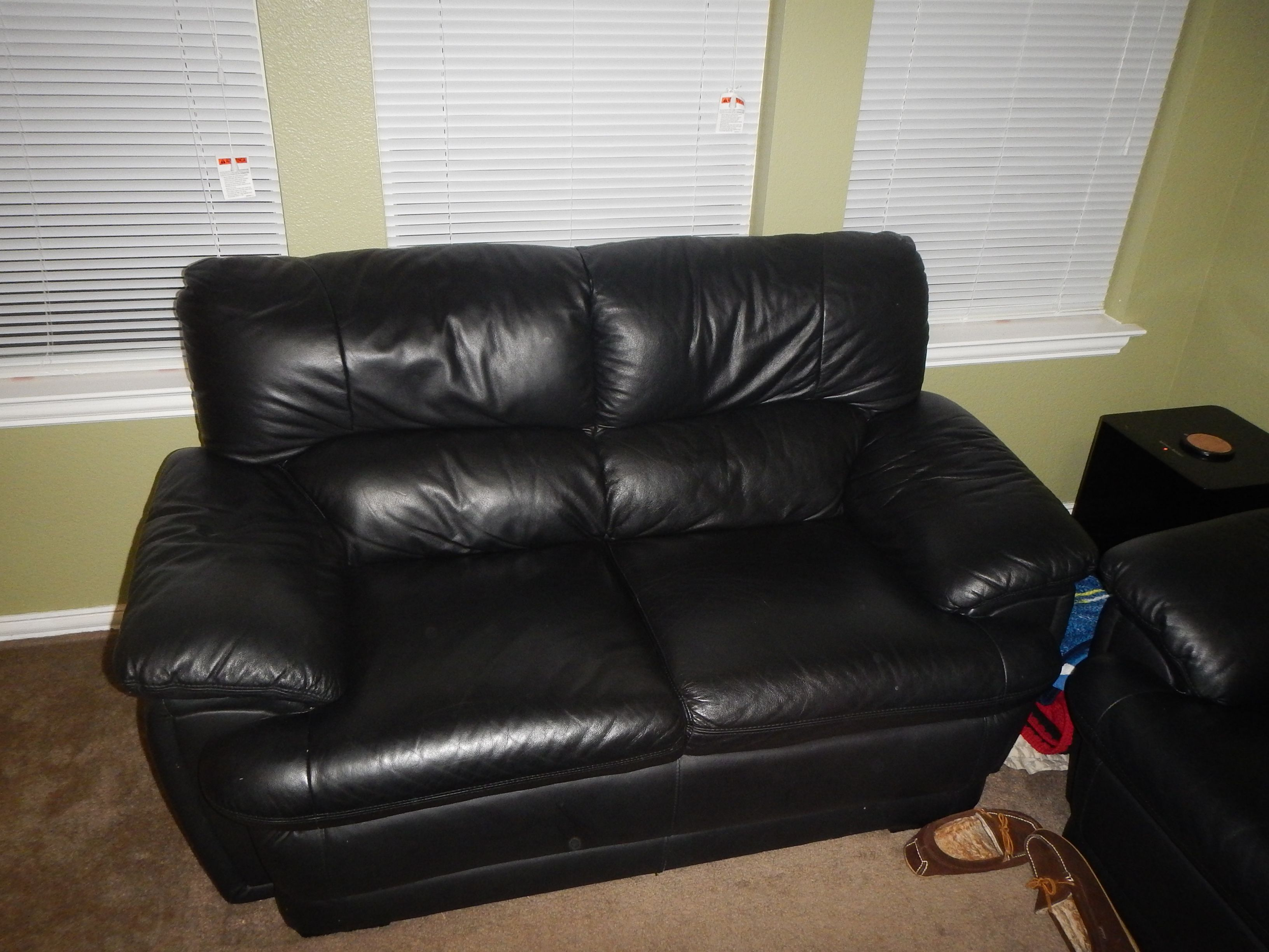 Leather Couch And Love Seat Black In Werner's Garage Sale In Alvarado , TX  For $500.00