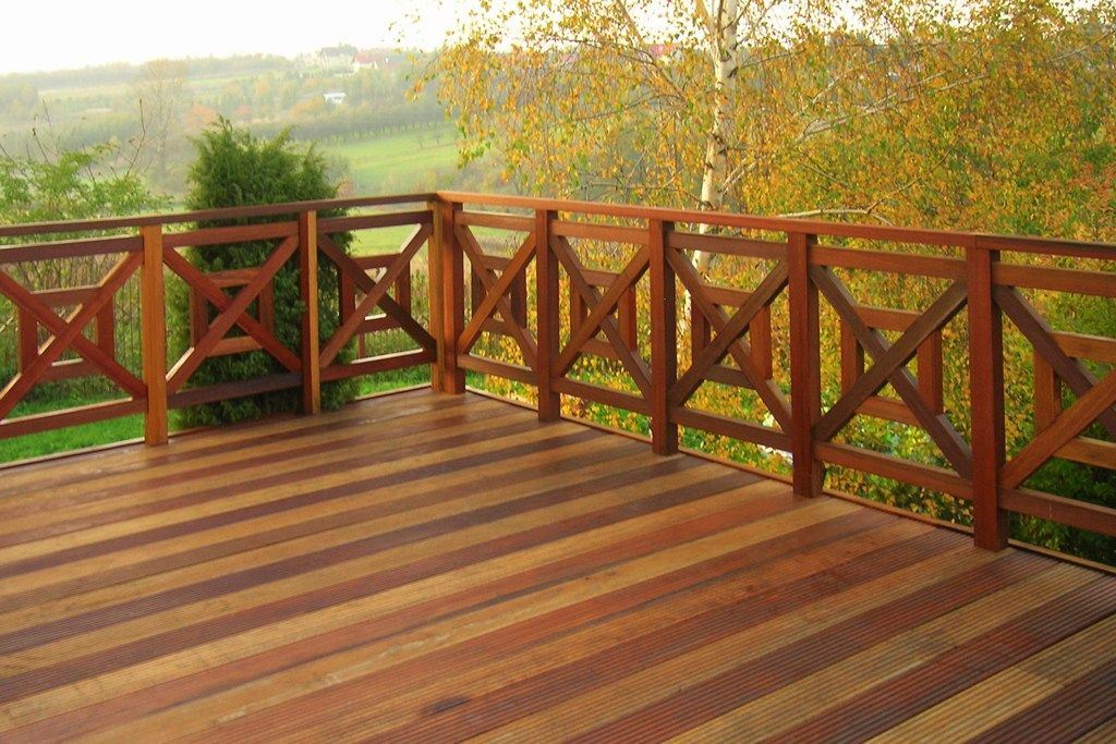Balustrady Tarasowe I Balkonowe Drewniane Metalowe Kute