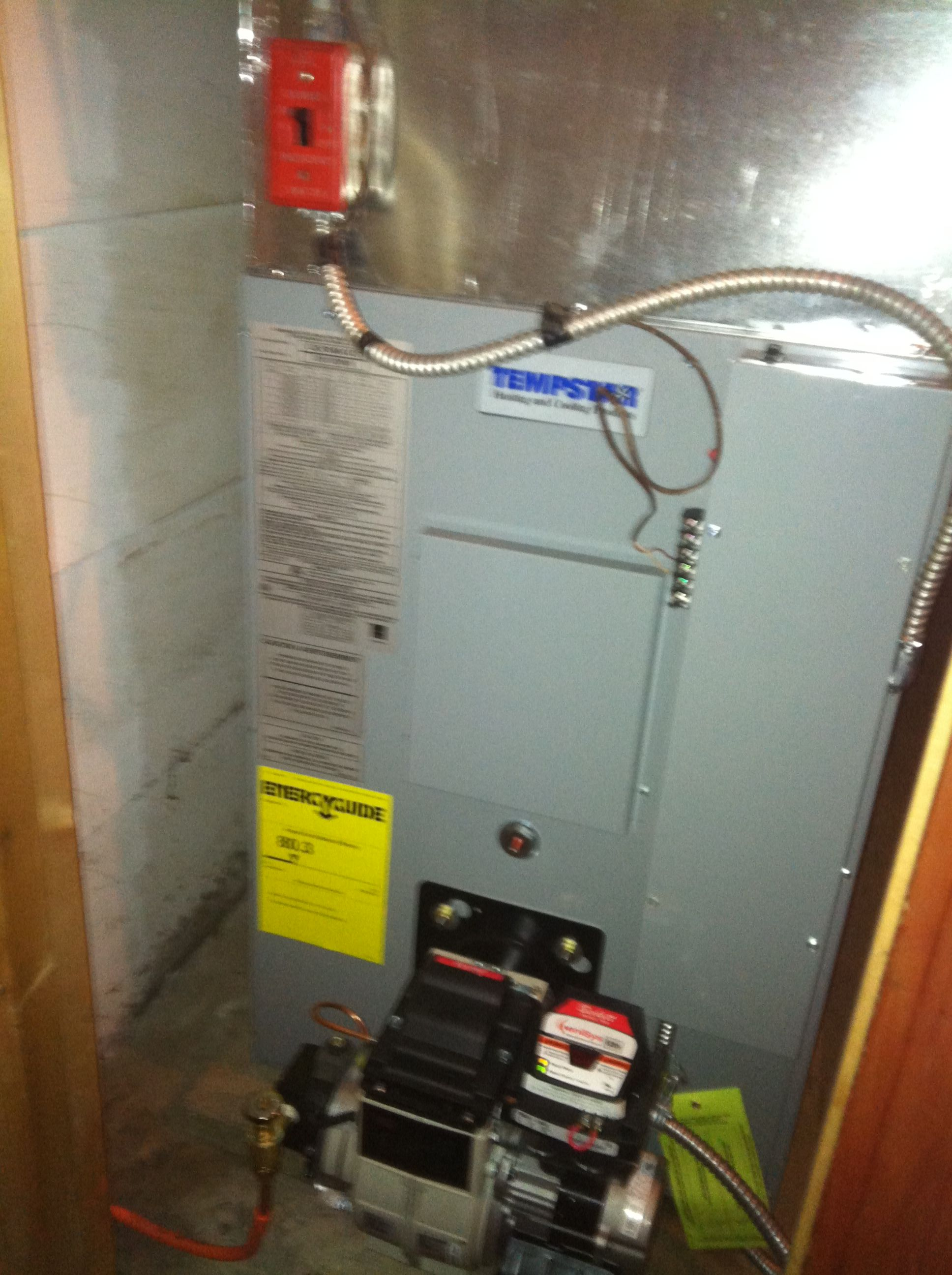 Tempstar forced hot air furnace w/ Beckett AFG oil burner