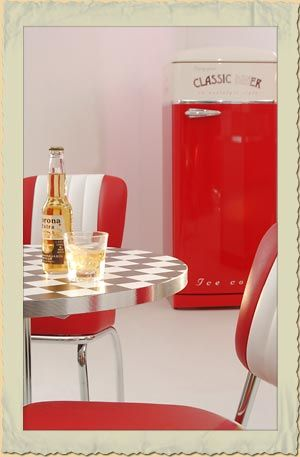 diner m bel im american diner style dinerb nke tische oder theken 50er jahre wohnen. Black Bedroom Furniture Sets. Home Design Ideas