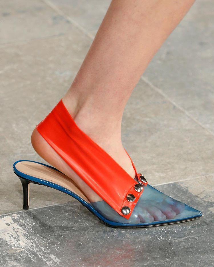 Minimalist shoes, Ladies shoes designer