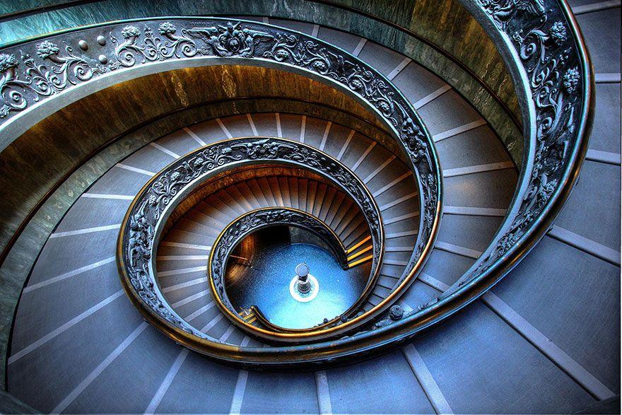 escalier helicoidal rome