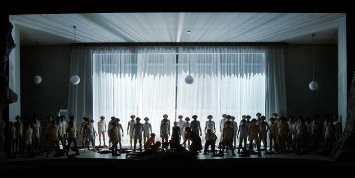Der fliegende Holländer, Regie: Barrie Kosky, Bühnenbild und Licht: Klaus Grünberg, Aalto Theater, 2006