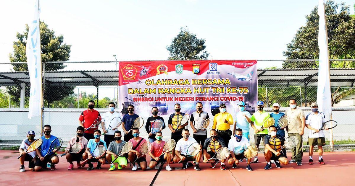 Lumajang Pendim 0821 Dalam Rangka Memperingati Hari Ulang Tahun Tentara Nasional Indonesia Hut Tni Ke 75 Tahun 2020 Kodim 0821 L Olahraga Tentara Persamaan