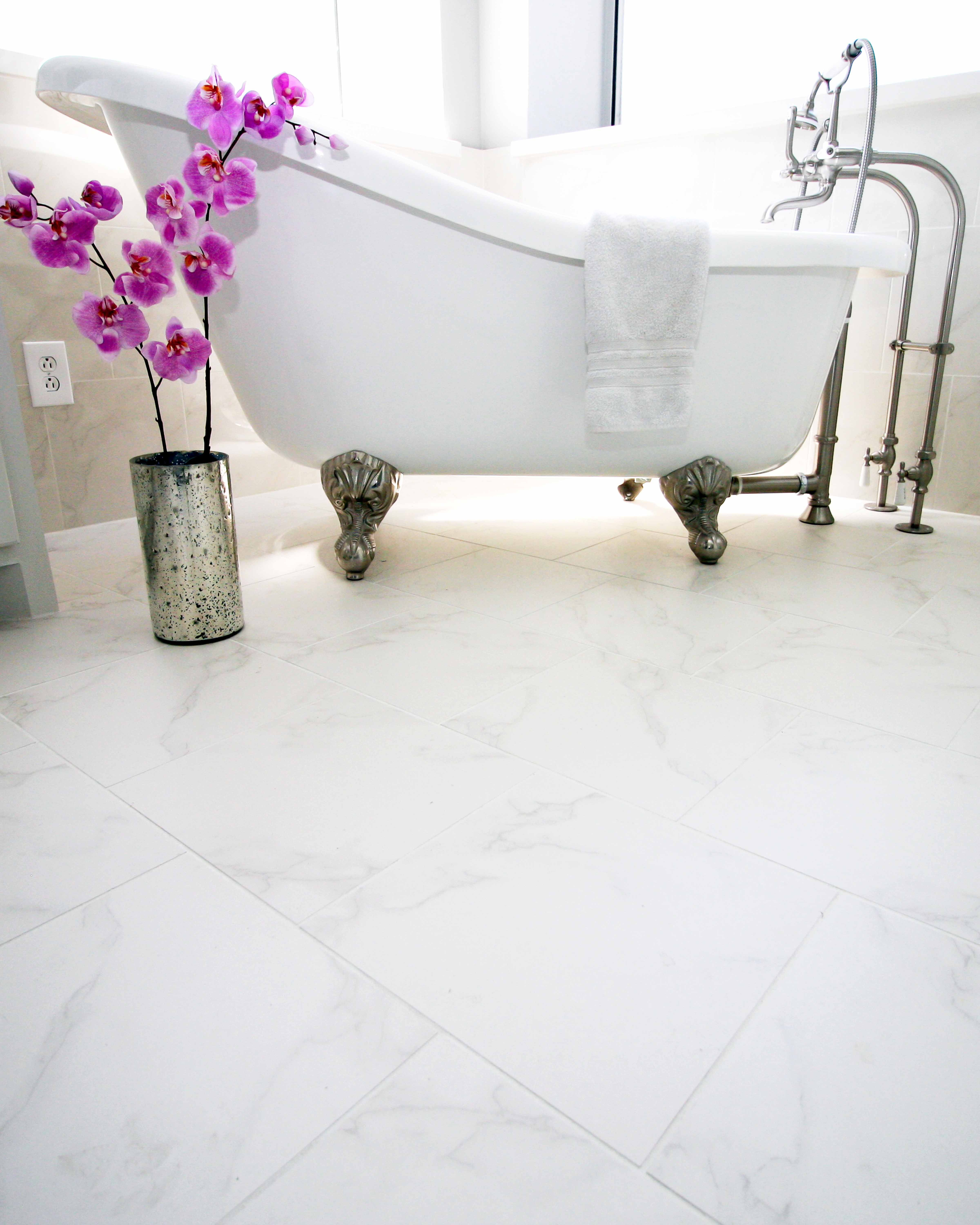 Tuesdaytile Highlights A Gorgeous Claw Foot Tub And Installation By