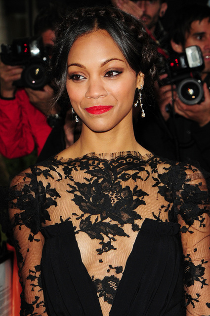 Black dress +red lips =classic look | Make up ! | Pinterest | Lips