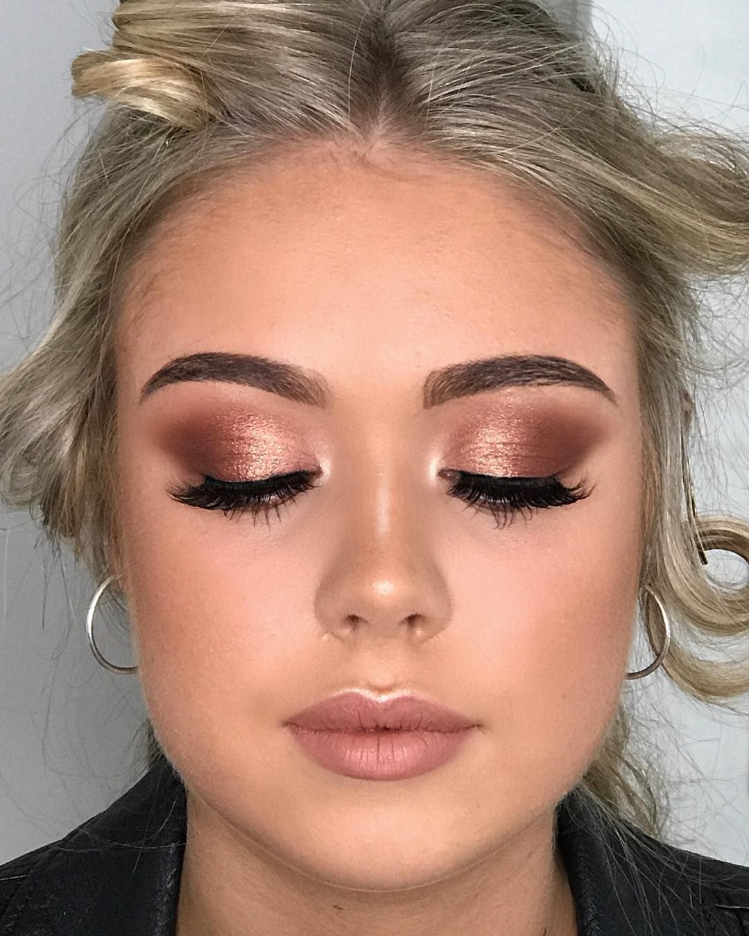 "Photo of SYDNEY MAKEUP ARTIST on Instagram: ""What Rose Gold Dreams are made of 🙌🏽💖 Year 12 Formal makeup on this dream @perrin_lehmann ✨ I can't even deal with her lid space 😍❤️ Key…"""
