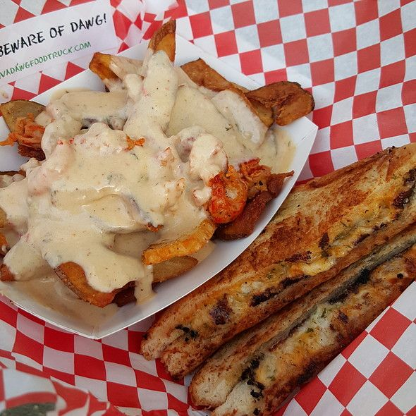 Crabmeat Grilled Cheesy Crawfish Etouffee Fries Diva Dawg Food Truck Food Seafood Recipes Eat