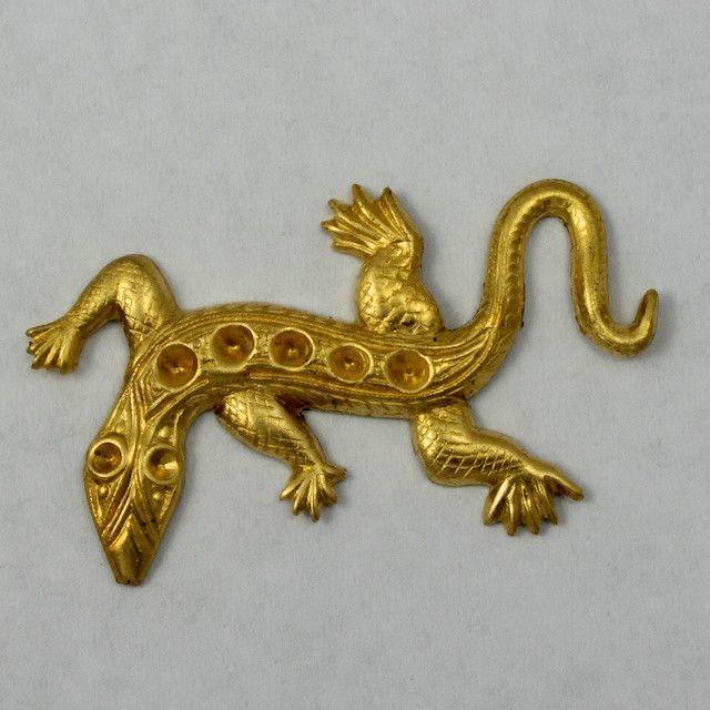 38mm Raw Brass Stone Set Lizard