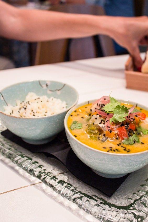 Bache (Madrid). Basándose en la cocina de Cádiz dan una vuelta de tuerca a la cocina andaluza con toques asiáticos, como su Cazón con curry. ¡Toda una experiencia! Más info en www.madridcoolblog.com