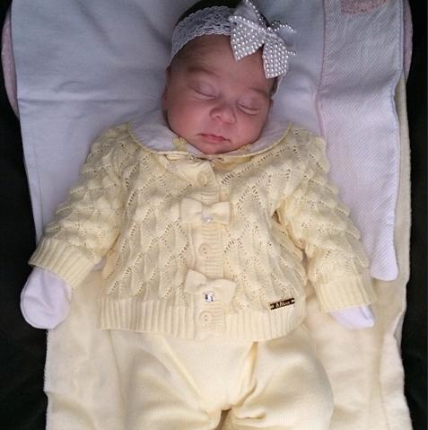 Clara, filha da Mila do blog Meu Dia D Mãe, linda de Lilibee!