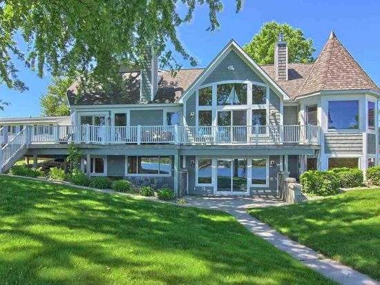 1044 N West Silver Lake Rd Traverse City Mi 49685 Mls 1833633 Zillow Waterfront Homes Traverse City Traverse City Mi