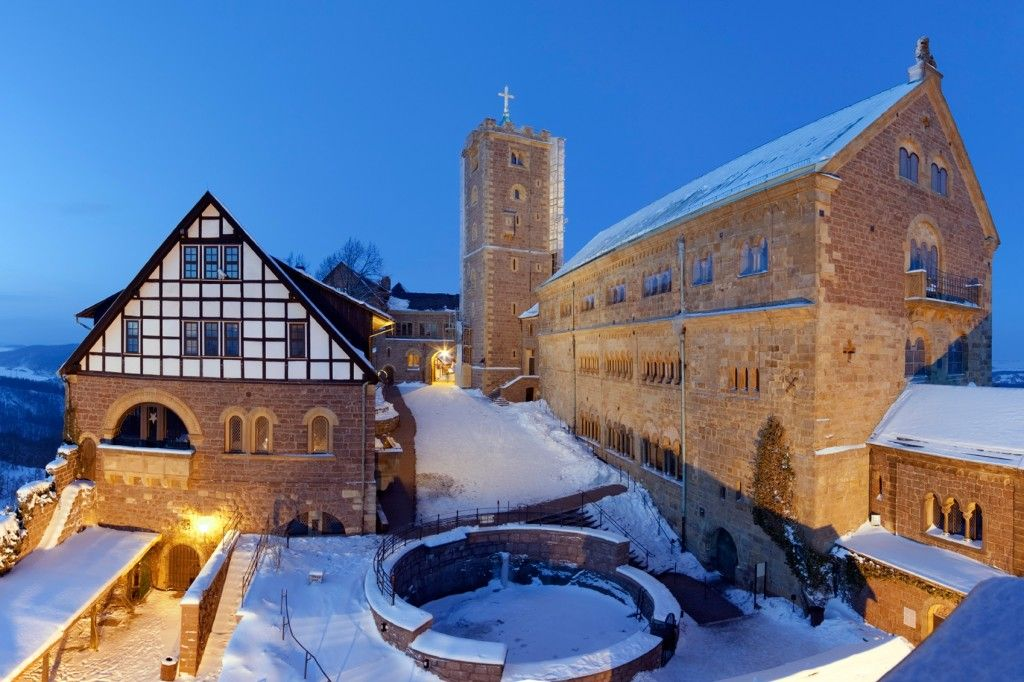 Wartburg Castle, Eisenach Christmas Market | The Best Christmas Markets in Germany