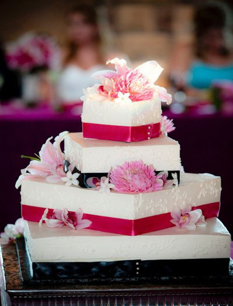 square wedding cake decorating ideas for beginners pictures   Bing     square wedding cake decorating ideas for beginners pictures   Bing Images
