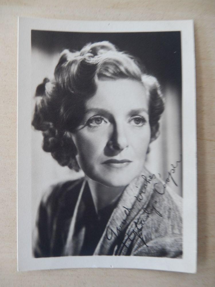 """Gladys Cooper - 3 1/2"""" X 5"""" Pre-Print Autographed Photo - Vintage 1940's"""