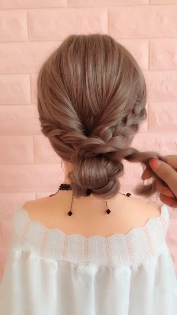 15 Neueste Half-Up-Half-Down-Frisuren für trendige Bräute #Bräute #für #HalfUpHalfDownFrisuren #neueste #trendige
