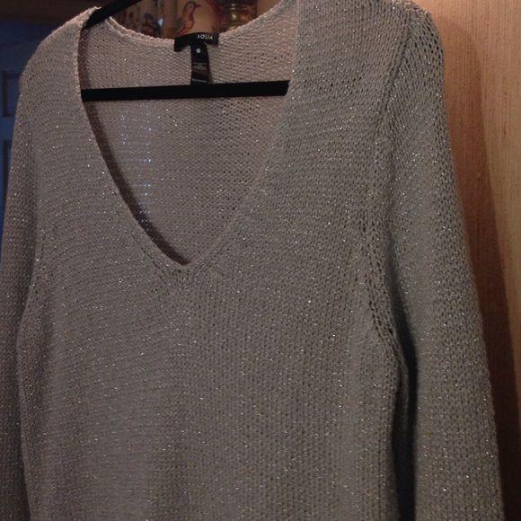 Aqua Hi-Lo sweater lg Aqua sweater . Hi/Lo silver excellent condition . Size L .Length front 30, back 33 . Aqua Sweaters V-Necks