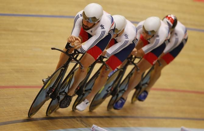 Bradley Wiggins and Great Britain's team pursuit squad (Bettini Photo)