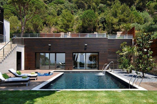 Small House With Pool Extravagance Let Your Small House Stand Out With These Ideas For Pools Decor Around The World Pool Houses Pool House Designs Small Pool Houses
